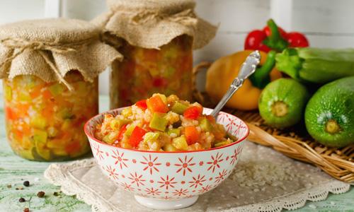 Салаты с рисом и овощами на зиму