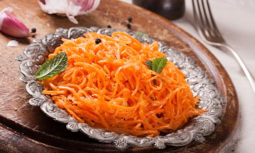 Вкусный салат из моркови