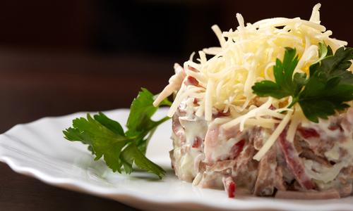 Вкусный салат с сыром
