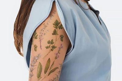 Временные татуировки, которые пахнут специями