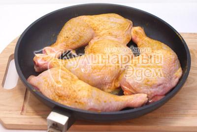 Выложить на противень и запечь в духовке при 200 градусов С в течении 40-50 минут