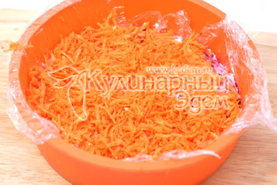 Слой моркови и майонез