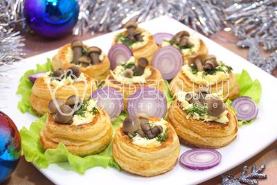 Валованы с сырной начинкой и грибами