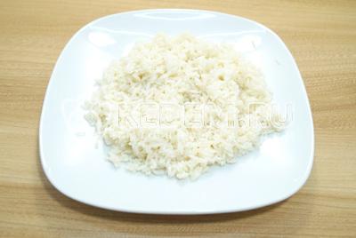 Рис отварить до полу готовности и хорошо промыть.