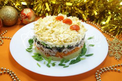 Слоёный салат «Новогоднее желание»