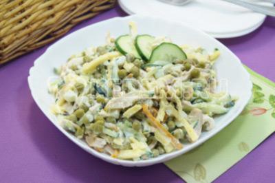 Салат с копченой курицей «Турин»