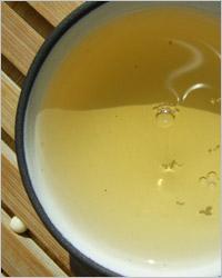 Другой вариант приготовления чая – заваривание в чайничке.