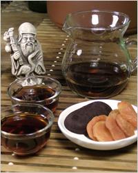 Сервировка - китайский черный чай пуэр