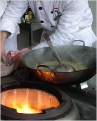 Вок – китайская кухня, приготовление блюда