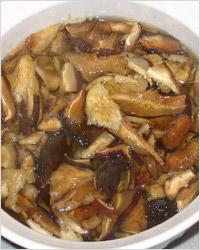Промывка и отмачивание грибов