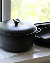 Посуда столовые приборы кухонная