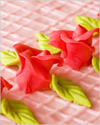 Розочки из марципана