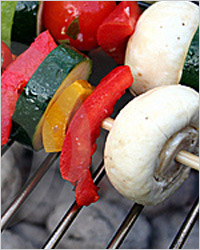 овощи с грибами на шпажках