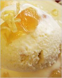 Мороженое с дыней в имбирном сиропе