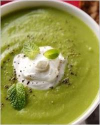 супом-пюре из зеленого горошка