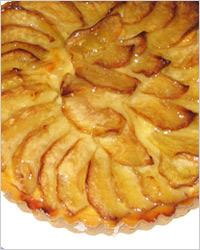 Французский открытый яблочный пирог