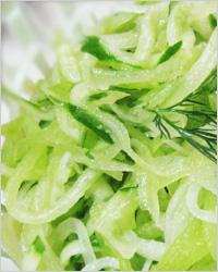 Салат из редьки и огурцов