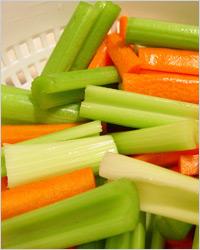 Салат из моркови и сельдерея на пару
