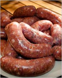 жареные говяжьи колбаски