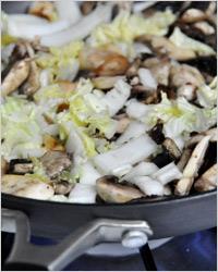 Закуска из грибов с капустой
