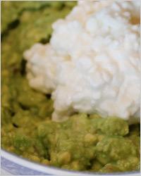 Творожный дип с авокадо