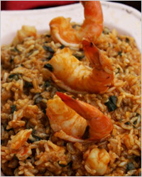 Креветки с бурым рисом