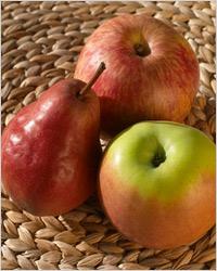 Компот-ассорти из яблок, груш и слив