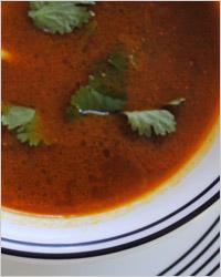 Острый азербайджанский суп с куриными голенями