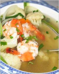 Суп из цветной капусты с креветками