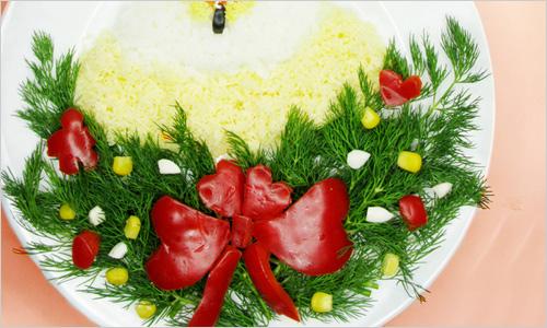 Как украсить салат на Новый Год.