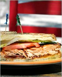 Сэндвич в кафе