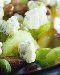 Салат из капусты и сыра «Рокфор» - Меню на Новый год
