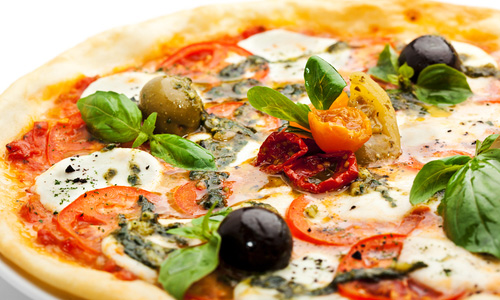 Пицца с оливками