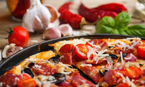Быстрая пицца на сковороде – кулинарный рецепт