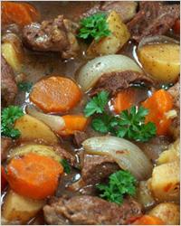 Жаркое из мяса и грибов с овощами