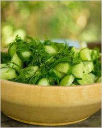Салат из лука и огурца – кулинарный рецепт