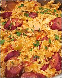 Джамбалайи с курицей и копчеными колбасками