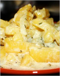 Тушёная картошка со сметаной
