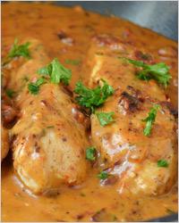 Курица в томатно-сырном соусе