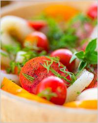 Лёгкий салат из кальмаров без майонеза