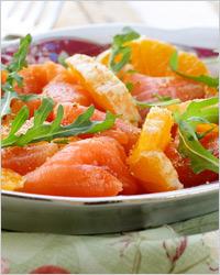 Свежий салат с семгой и апельсинами
