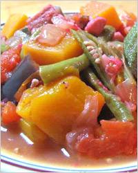 Картофель, запечённый с овощами