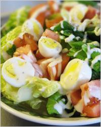 Салат из перепелиных яиц с грибами