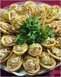 Тарталетки с перепелиными яйцами, грибами и сельдереем