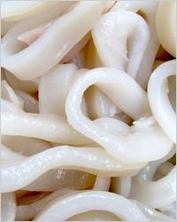 Тарталетки с морской капустой и кальмарами