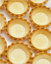 Тарталетки с грецкими орехами и карамелью