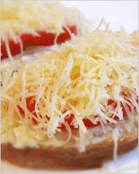 Пикантный хлеб с чёрным перцем и сыром – кулинарный рецепт