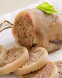 Фаршированные свиные ножки по итальянскому рецепту