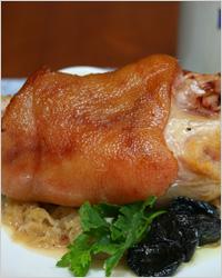 традиционное немецкое блюдо Айсбан