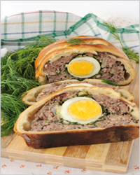 Pie with meat and egg